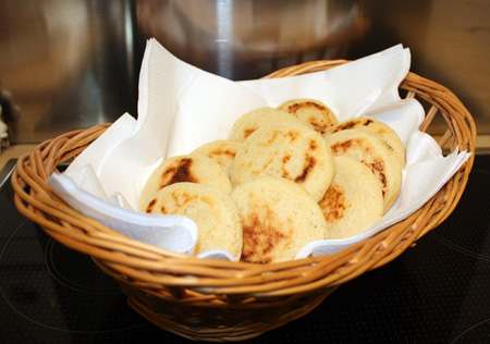 arepas in a basket