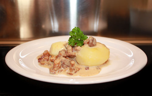 Chanterelles (Pfifferlinge) in Cream Sauce 1
